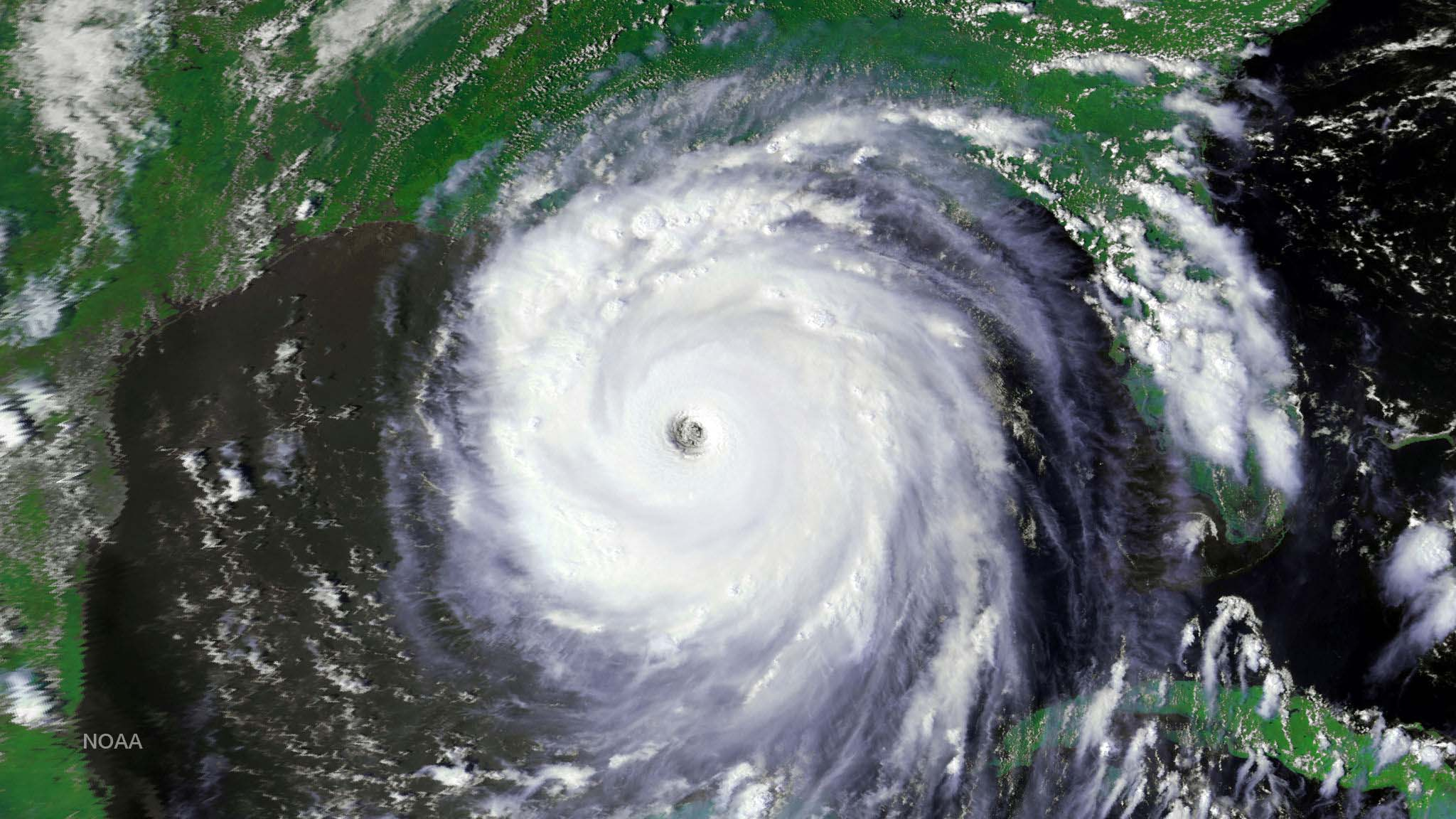 Hurricane Katrina approaching the gulf coast.